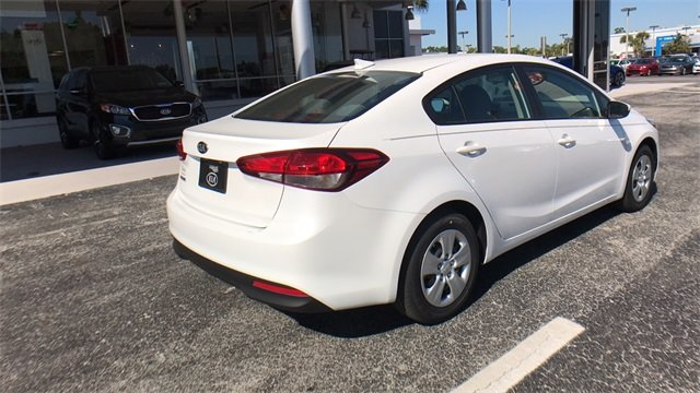 2018 Snow White Pearl Kia Forte LX 4 Door Automatic 2.0L 4-Cylinder Engine Sedan FWD