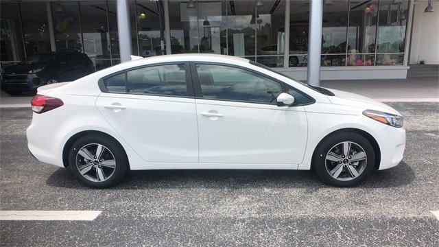 2018 Clear White Kia Forte S Automatic FWD Sedan 2.0L 4-Cylinder Engine 4 Door