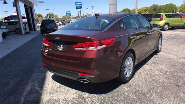 2018 Sangria Kia Optima LX Sedan FWD 2.4L 4-Cylinder Engine 4 Door Automatic