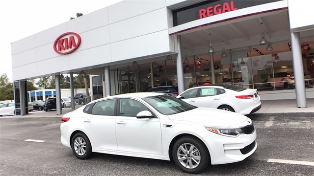 2018 Snow White Pearl Kia Optima LX 4 Door Automatic 2.4L 4-Cylinder Engine