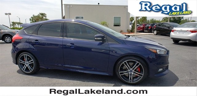 2017 Kona Blue Metallic Ford Focus ST 2.0L GTDi Engine 4 Door Hatchback
