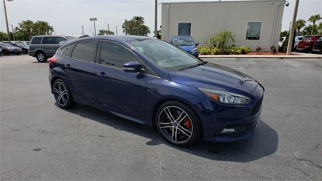 2017 Kona Blue Metallic Ford Focus ST FWD 2.0L GTDi Engine Manual