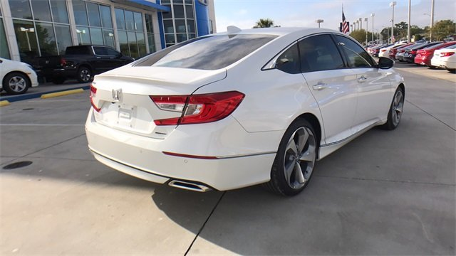 2018 Honda Accord Touring Automatic (CVT) Sedan I4 DOHC 16V Turbocharged Engine 4 Door FWD