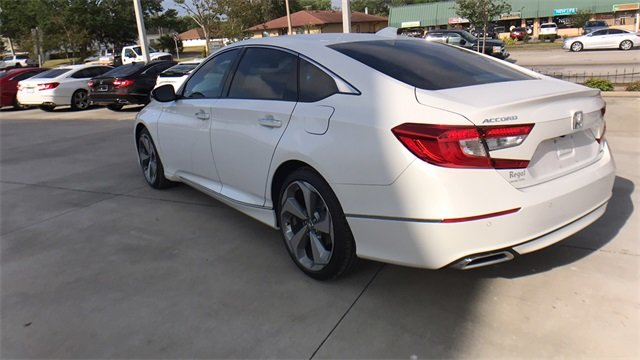 2018 Honda Accord Touring Sedan Automatic (CVT) I4 DOHC 16V Turbocharged Engine FWD 4 Door