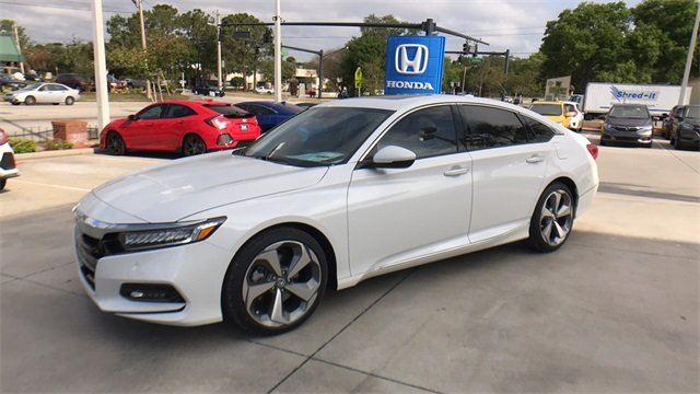 2018 Honda Accord Touring I4 DOHC 16V Turbocharged Engine 4 Door Automatic (CVT) Sedan