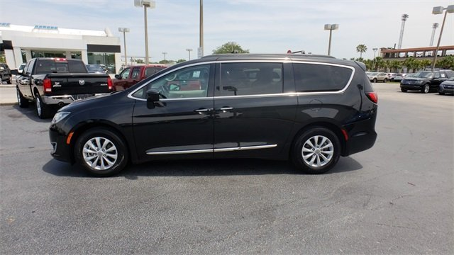 2017 Chrysler Pacifica Touring L Van Automatic 3.6L V6 24V VVT Engine