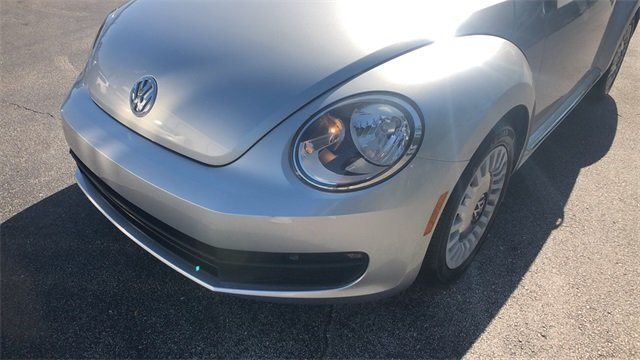 2014 Volkswagen Beetle 1.8T 2 Door Automatic Hatchback FWD 1.8L 4-Cylinder DGI Turbocharged DOHC Engine