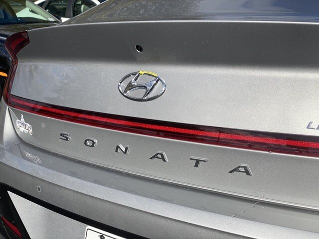 2021 Hyundai Sonata Limited FWD 4 Door 1.6L I4 Engine