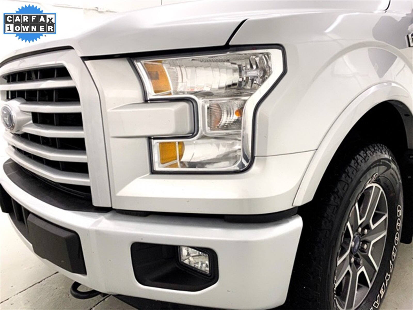 2017 Ingot Silver Metallic Ford F-150 XLT 4X4 4 Door EcoBoost 3.5L V6 GTDi DOHC 24V Twin Turbocharged Engine Automatic Truck