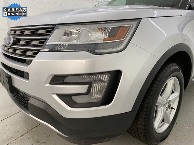 2017 Ingot Silver Metallic Ford Explorer XLT 3.5L 6-Cylinder SMPI DOHC Engine 4X4 4 Door SUV Automatic