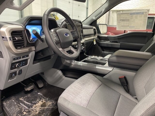 2021 Ford F-150 XLT Chrome 4 Door 2.7L V6 EcoBoost Engine Automatic Truck 4X4