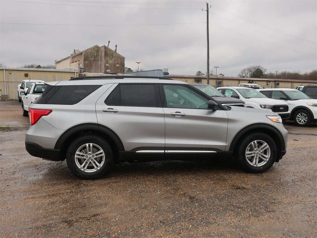 2021 Silver Ford Explorer XLT 2.3L EcoBoost I-4 Engine RWD SUV Automatic 4 Door