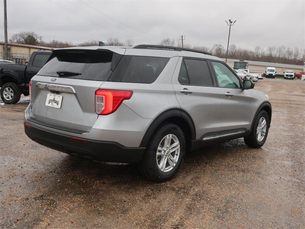 2021 Silver Ford Explorer XLT 4 Door SUV 2.3L EcoBoost I-4 Engine Automatic