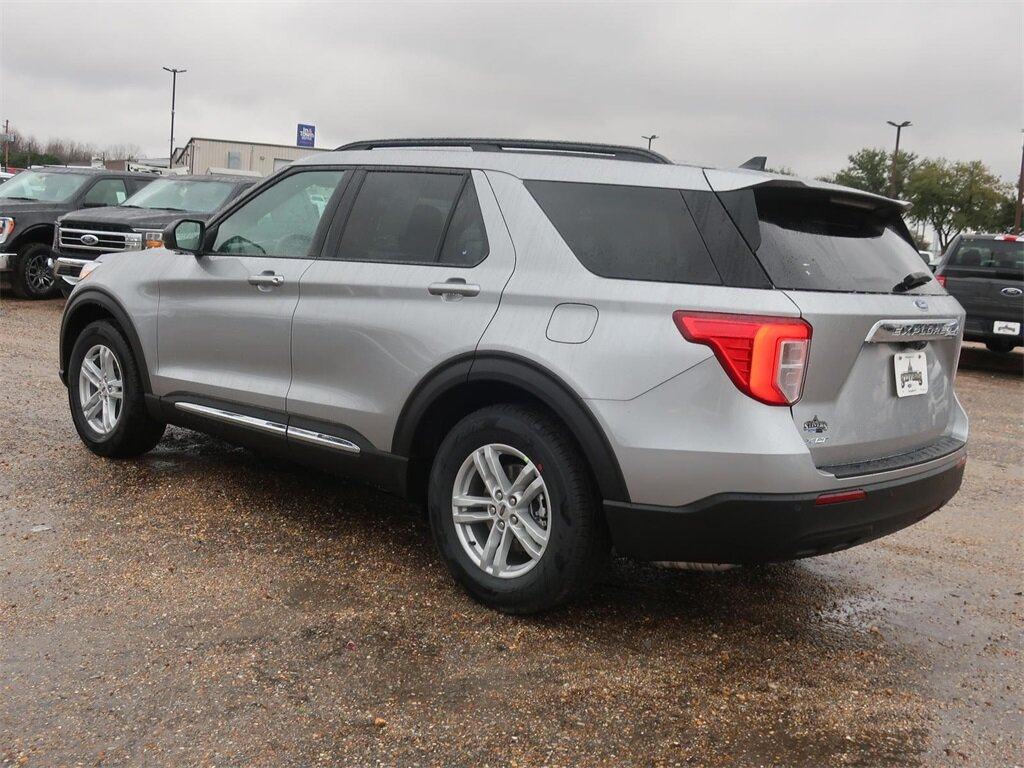 2021 Ford Explorer XLT 4 Door RWD SUV Automatic