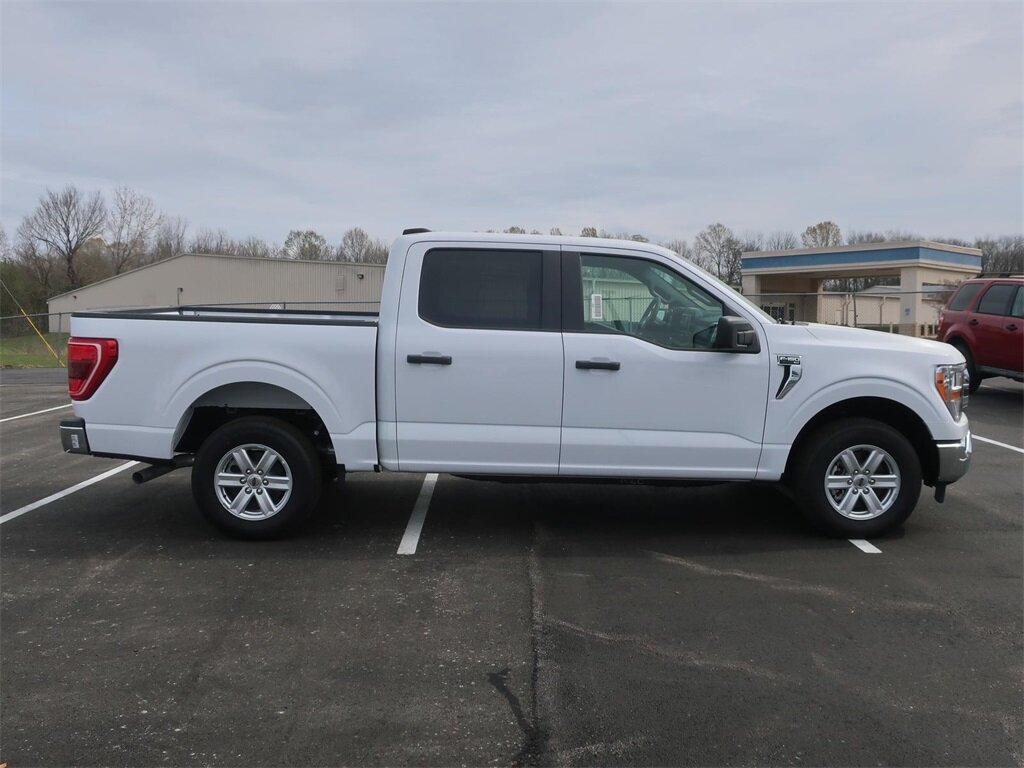 2021 Oxford White Ford F-150 XLT 4 Door Truck 5.0L V8 Engine RWD Automatic