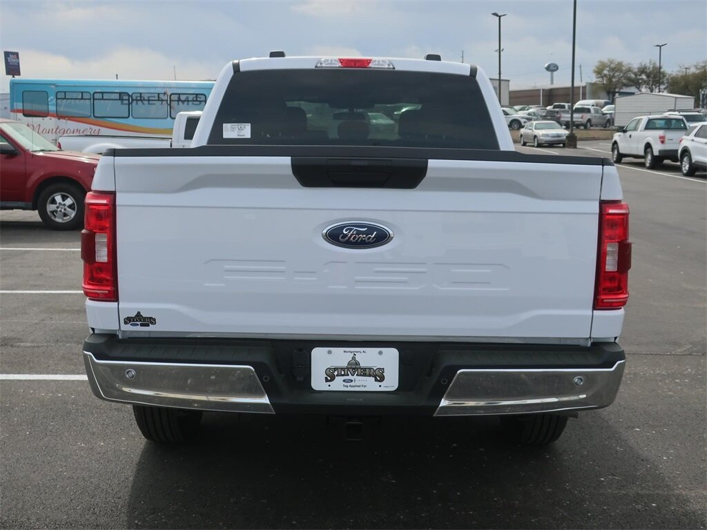 2021 Oxford White Ford F-150 XLT Truck RWD Automatic 4 Door