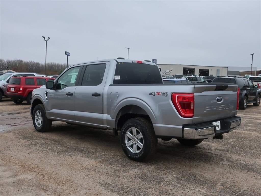 2021 Silver Ford F-150 XLT 4 Door Automatic 5.0L V8 Engine 4X4