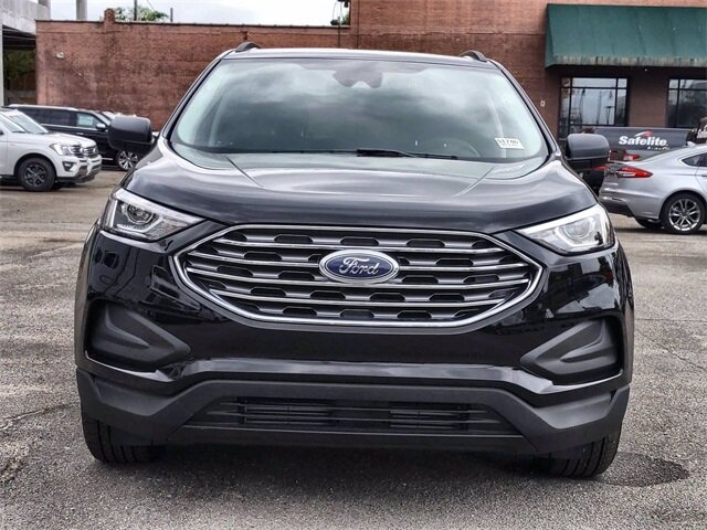 2021 Black Metallic Ford Edge SE EcoBoost 2.0L I4 GTDi DOHC Turbocharged VCT Engine 4 Door SUV