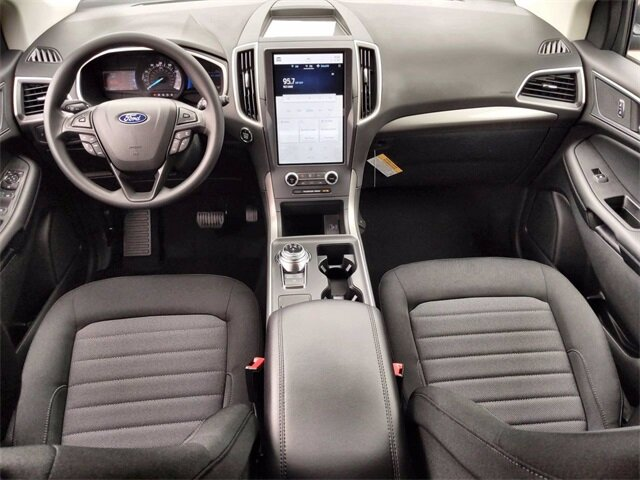 2021 Ford Edge SE EcoBoost 2.0L I4 GTDi DOHC Turbocharged VCT Engine Automatic 4 Door