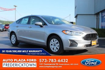 2020 Iconic Silver Metallic Ford Fusion S Automatic 4 Door Sedan 2.5L Engine FWD