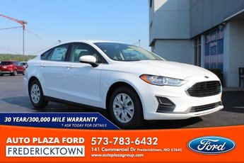 2020 Oxford White Ford Fusion S 4 Door 2.5L Engine Sedan FWD