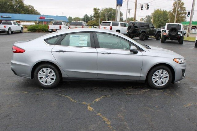 2020 Iconic Silver Metallic Ford Fusion S 2.5L Engine FWD 4 Door Sedan Automatic