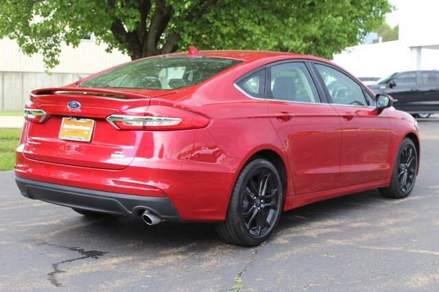 2020 Rapid Red Metallic Tinted Clearcoat Ford Fusion SE Sedan FWD 1.5L Turbocharged Engine