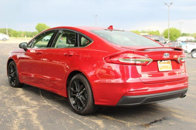 2020 Rapid Red Metallic Tinted Clearcoat Ford Fusion SE Sedan 4 Door 1.5L Turbocharged Engine Automatic