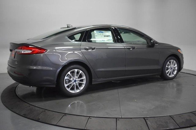 2020 Magnetic Metallic Ford Fusion Hybrid SE 4 Door FWD Automatic