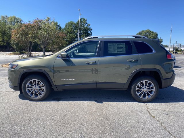 2021 Jeep Cherokee Latitude Plus 4 Door FWD Regular Unleaded I-4 2.4 L/144 Engine Automatic