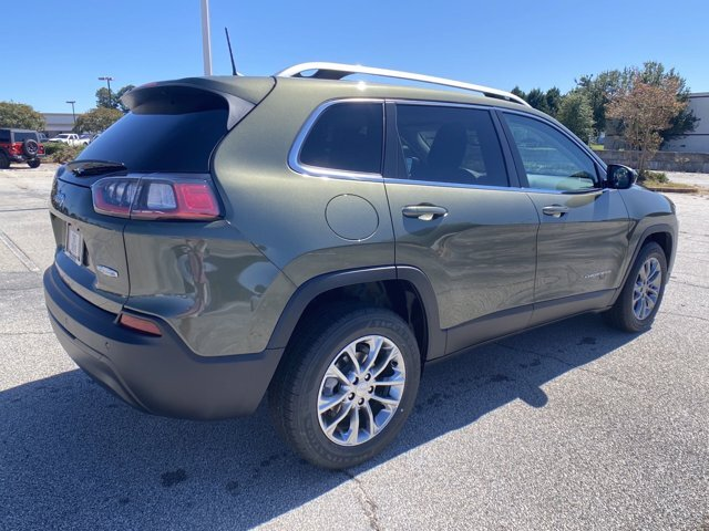 2021 Jeep Cherokee Latitude Plus SUV FWD Regular Unleaded I-4 2.4 L/144 Engine 4 Door