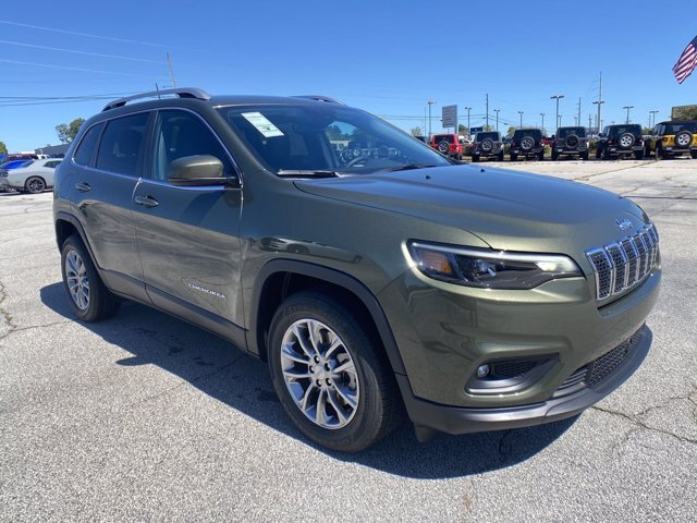 2021 Jeep Cherokee Latitude Plus SUV Regular Unleaded I-4 2.4 L/144 Engine Automatic 4 Door
