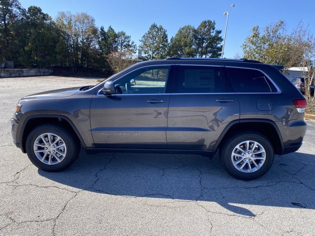 2021 Granite Crystal Metallic Clearcoat Jeep Grand Cherokee Laredo E Regular Unleaded V-6 3.6 L/220 Engine SUV Automatic