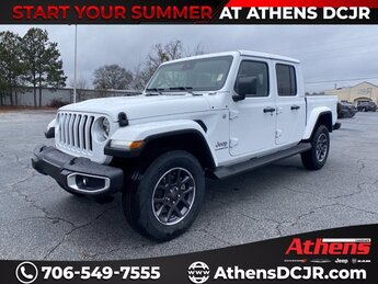 2021 Bright White Clearcoat Jeep Gladiator Overland 4 Door Automatic Regular Unleaded V-6 3.6 L/220 Engine 4X4 Truck