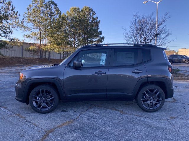 2021 Granite Crystal Metallic Clearcoat Jeep Renegade Latitude Regular Unleaded I-4 2.4 L/144 Engine SUV 4 Door