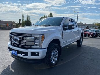 2019 White Platinum Metallic Tri-Coat Ford Super Duty F-350 SRW Platinum Automatic 4 Door Truck 4X4 Power Stroke 6.7L V8 DI 32V OHV Turbodiesel Engine