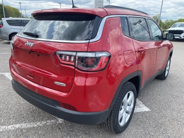 2021 Redline Pearlcoat Jeep Compass Latitude SUV 4 Door Automatic 2.4L I4 Engine 4X4