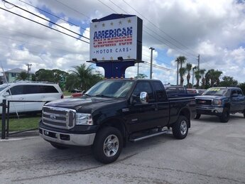 2006 Black Clearcoat Ford Super Duty F-350 SRW Lariat 4X4 Automatic Power Stroke 6.0L V8 DI 32V OHV Turbodiesel Engine 2 Door
