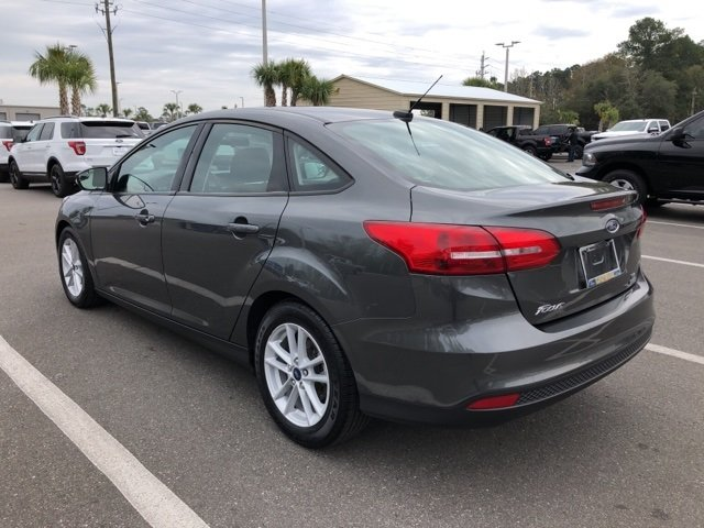 2017 Magnetic Ford Focus SE FWD Sedan EcoBoost 1.0L I3 GTDi DOHC Turbocharged VCT Engine Manual