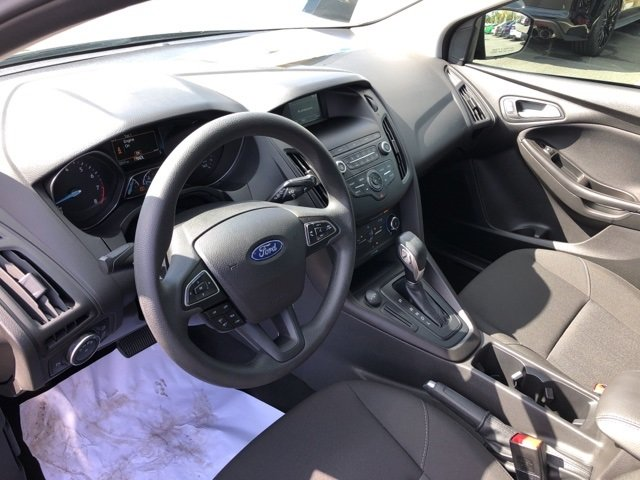 2018 Ford Focus SE Hatchback FWD 4 Door Automatic I4 Engine