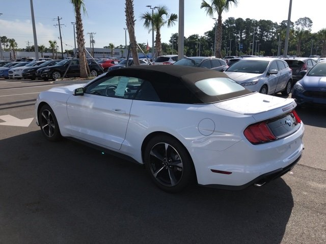2018 Oxford White Ford Mustang EcoBoost Automatic Convertible EcoBoost 2.3L I4 GTDi DOHC Turbocharged VCT Engine RWD