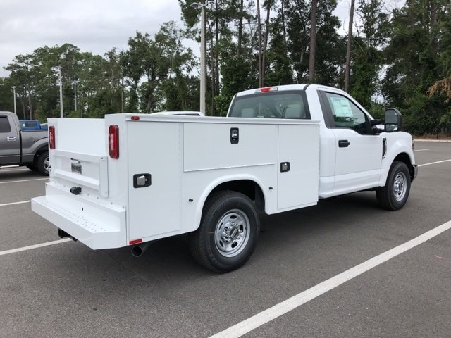 2019 Oxford White Ford Super Duty F-250 SRW XL 2 Door Automatic 6.2L SOHC Engine