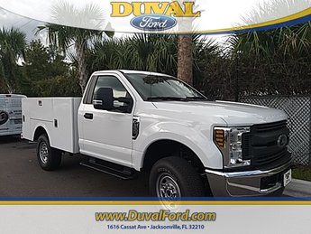2018 Oxford White Ford Super Duty F-350 SRW XL Truck 4X4 6.2L V8 Engine 2 Door