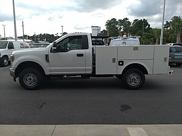 2018 Oxford White Ford Super Duty F-350 SRW XL 4X4 Truck 6.2L V8 Engine 2 Door Automatic