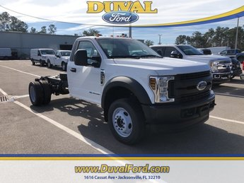 2018 Oxford White Ford Super Duty F-550 DRW Power Stroke 6.7L V8 DI 32V OHV Turbodiesel Engine 2 Door Automatic 4X4 Truck
