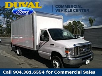 2019 Oxford White Ford E-450SD Base Automatic RWD 2 Door Car