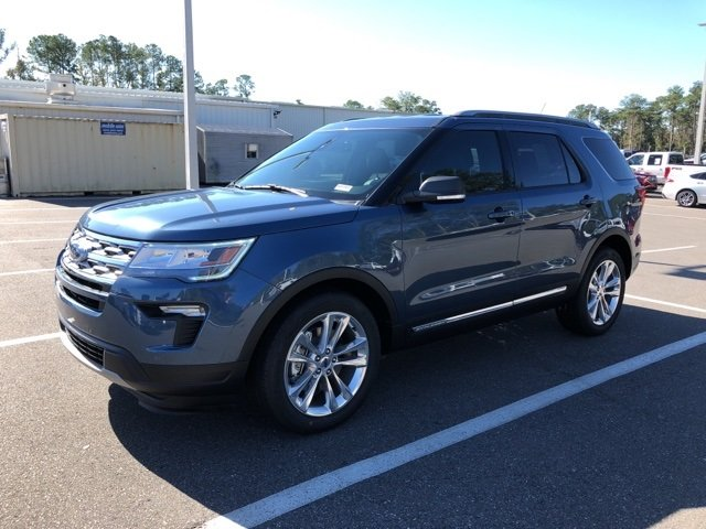 2019 Blue Metallic Ford Explorer XLT 3.5L V6 Ti-VCT Engine SUV 4 Door