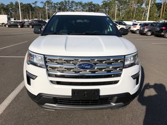 2018 White Ford Explorer XLT 3.5L 6-Cylinder SMPI DOHC Engine SUV 4 Door FWD Automatic
