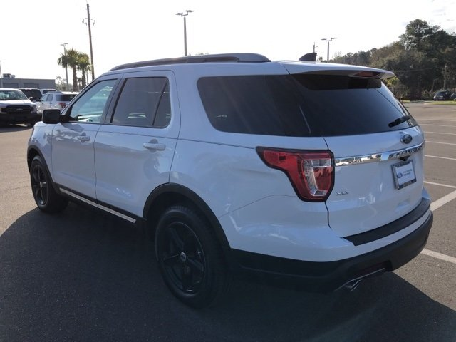 2018 White Ford Explorer XLT SUV 3.5L 6-Cylinder SMPI DOHC Engine 4 Door Automatic FWD