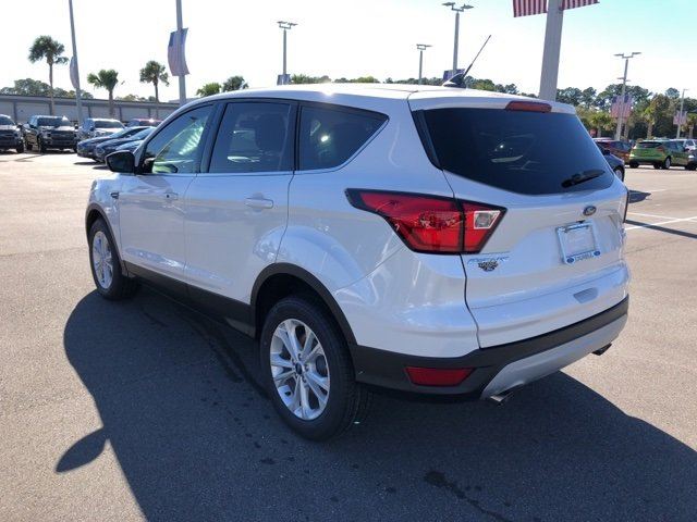 2019 Ford Escape SE 4 Door Automatic EcoBoost 1.5L I4 GTDi DOHC Turbocharged VCT Engine SUV FWD